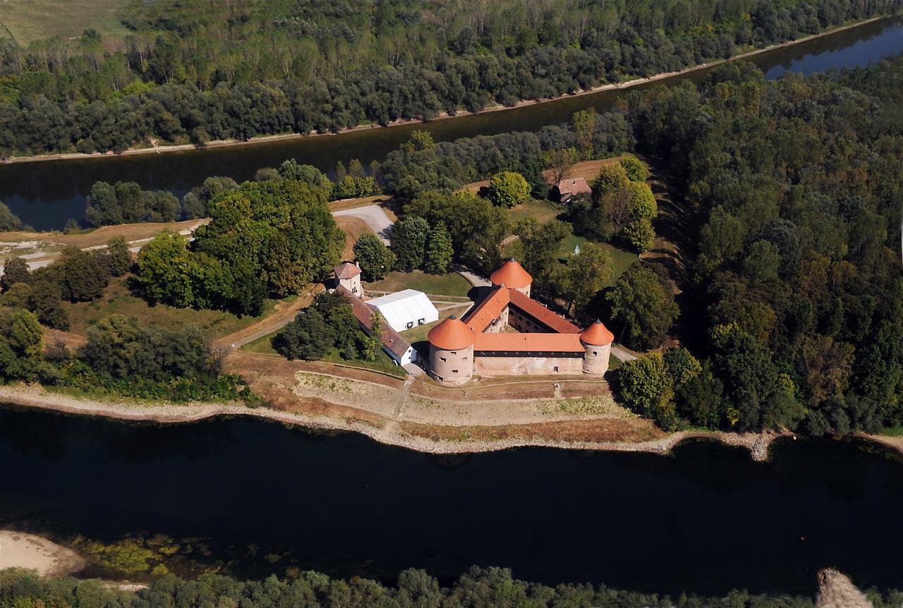 Otvorena utvrda Stari grad Sisak